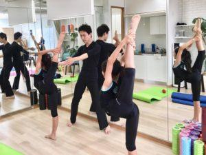スタジオ練習風景 バックル 新体操